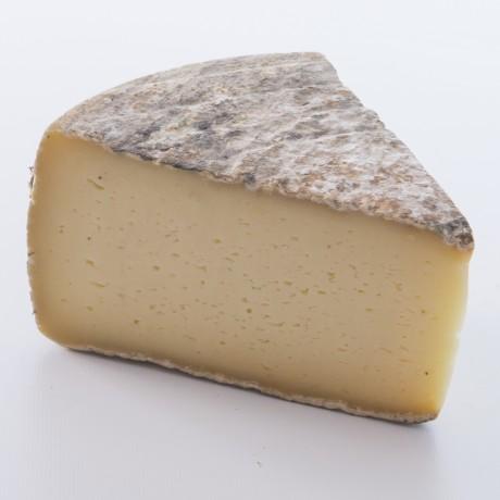 - Tomme de Savoie au lait cru IGP