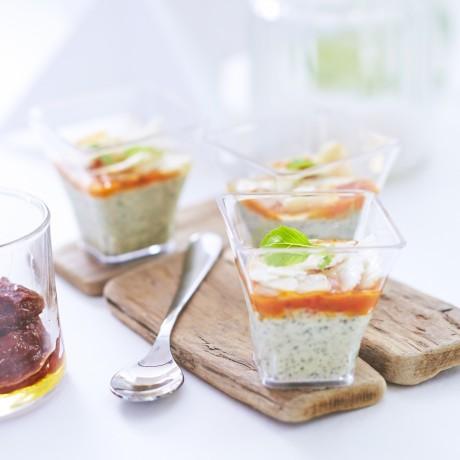 Verrine pesto, tomate mi-séchée et parmesan