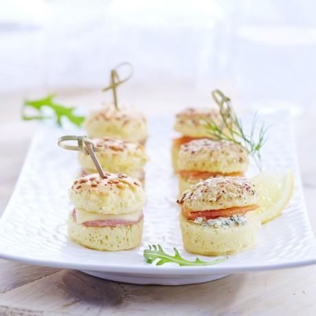 Duo de mini croque et mini burgers saumon Plateau de 20 Vendu par 2
