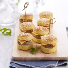 Mini-cheeseburgers cocktail