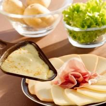 - Plateau raclette affinée au vin d'Arbois au lait cru